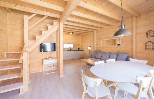 Ośrodki wczasowe - drewniane domy podwynajem